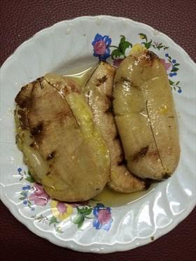 กล้วยปิ้งราดน้ำตาลเชื่อม
