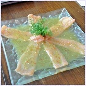 ปลาแซลมอนรมควันแช่น้ำปลา