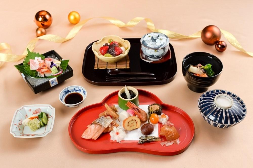 """อาหารชุดพิเศษ """"โกะเซน""""  สำหรับวันปีใหม่"""
